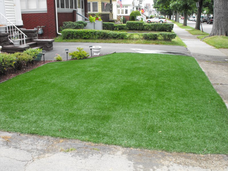 lawn-and-landscape-synthetic-turf-12