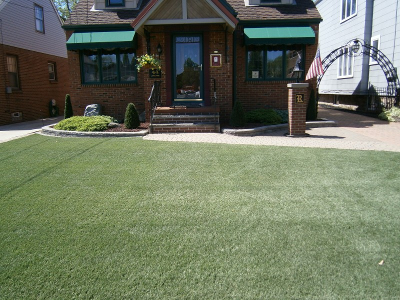 lawn-and-landscape-synthetic-turf-13