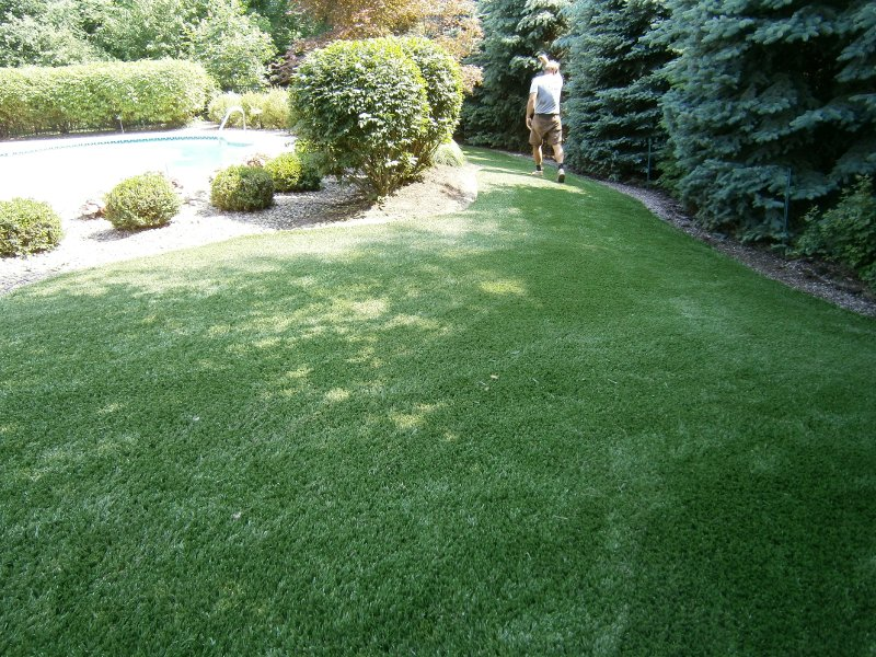 lawn-and-landscape-synthetic-turf-17
