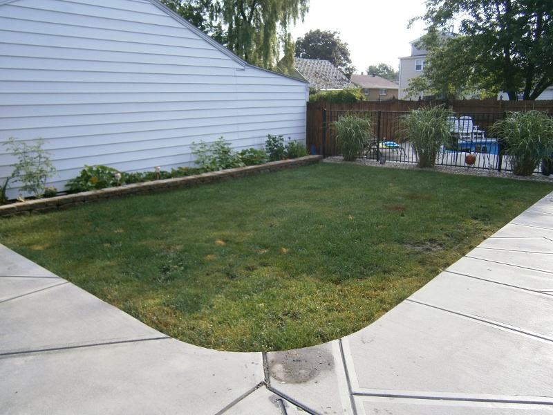 lawn-and-landscape-synthetic-turf-20