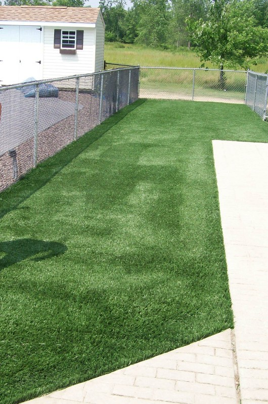 lawn-and-landscape-synthetic-turf-32