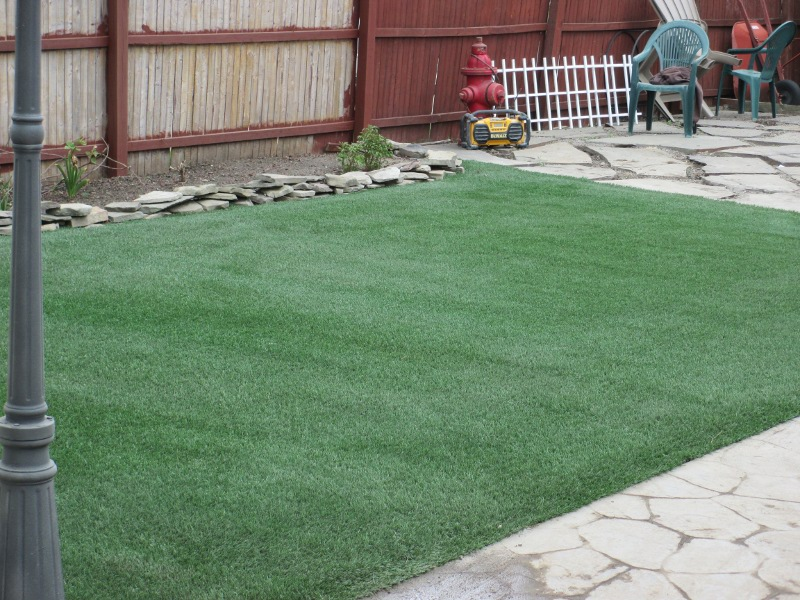 lawn-and-landscape-synthetic-turf-38