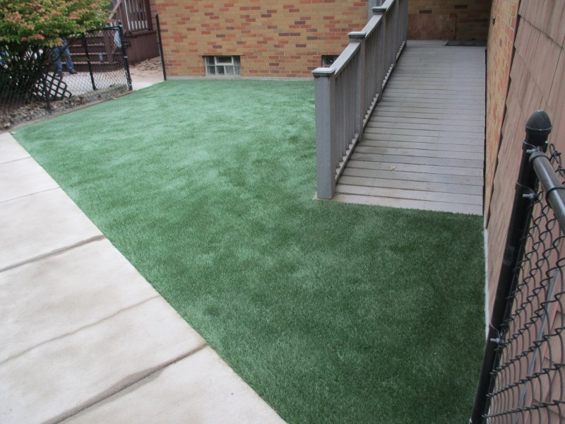lawn-and-landscape-synthetic-turf-48