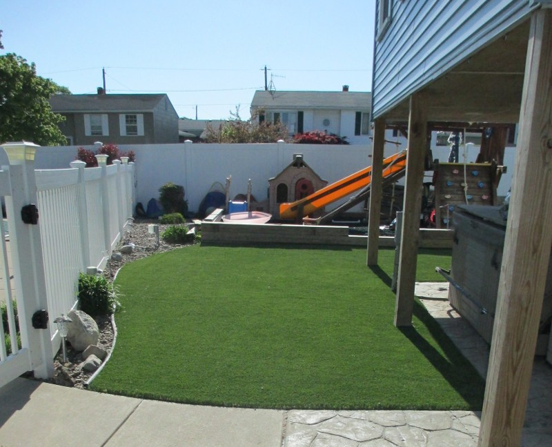 lawn-and-landscape-synthetic-turf-53