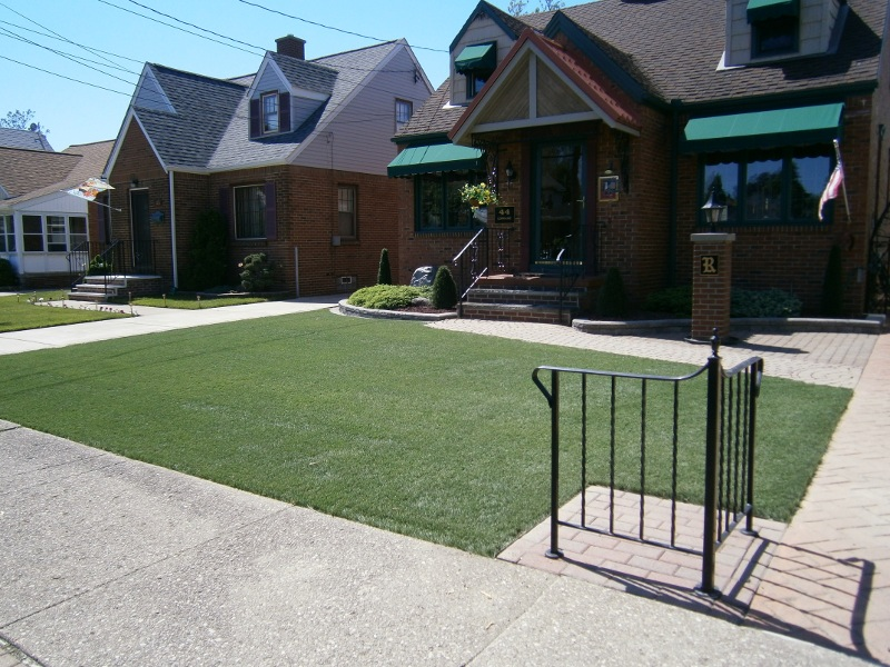 lawn-and-landscape-synthetic-turf-9