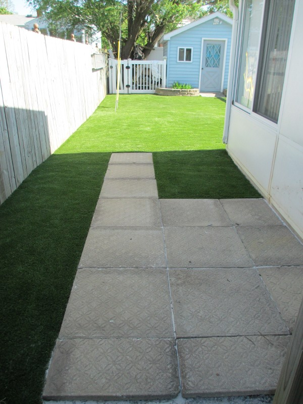 lawn-and-landscaping-artificial-turf-2